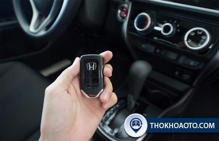 Khi nào nên thay pin chìa khóa ô tô?