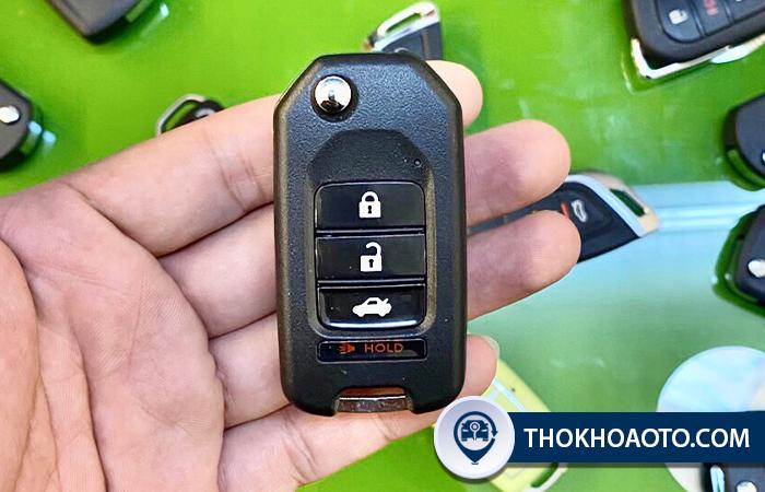 Hình 7: Mẫu chìa gập B10- 3 nút