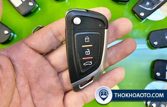 Hình 13: Mẫu chìa gập B29-01 VVDI 3 nút