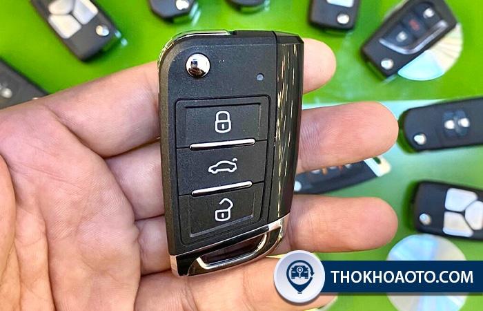 Hình 16: Mẫu chìa gập B15 3 nút