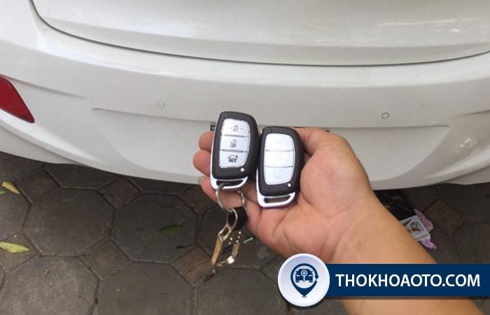 Làm chìa khóa xe Hyundai i10