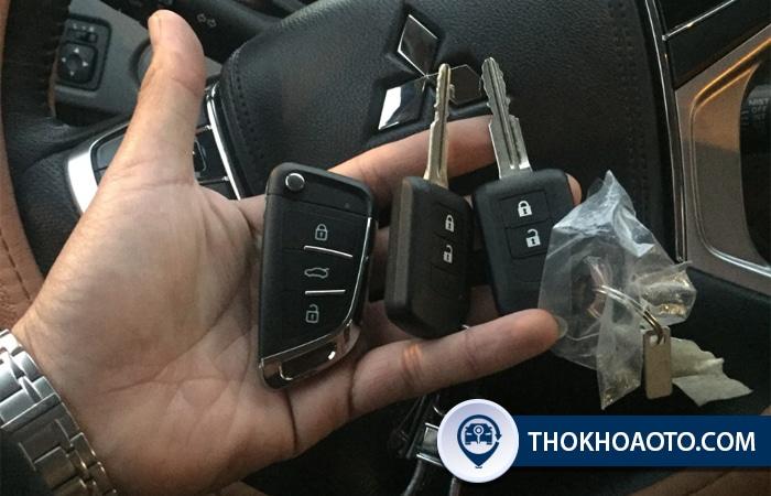 Làm chìa khóa gập xe Mitsubishi - Thợ Khóa Ô Tô