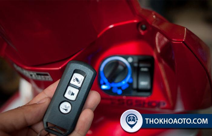 Làm chìa khóa smartkey xe Honda Vision - Thợ Khóa Ô Tô