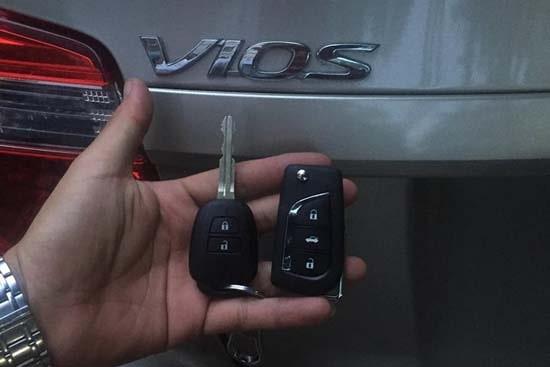 Làm chìa khóa xe toyota