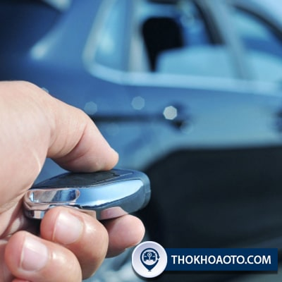 Những lưu ý khi sử dụng chìa khóa ô tô liền điều khiển từ xa