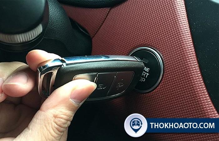 hệ thống khóa cửa xe ô tô