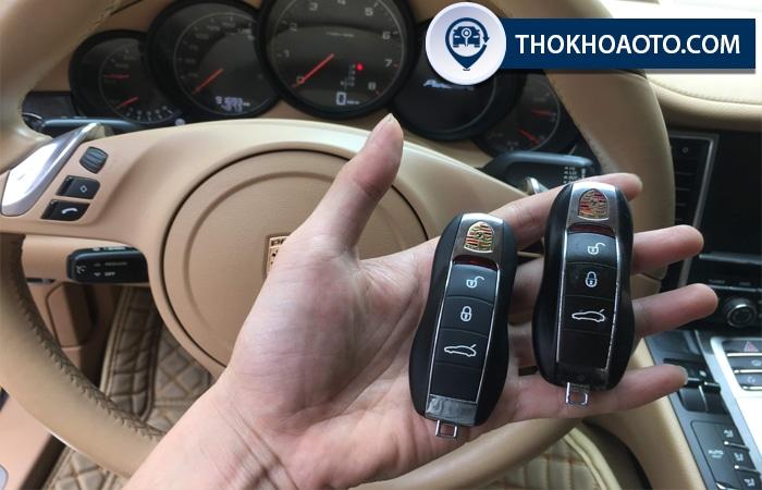 Làm chìa khóa xe Porsche