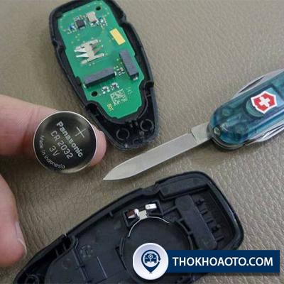 cách thay pin chìa khóa xe ford