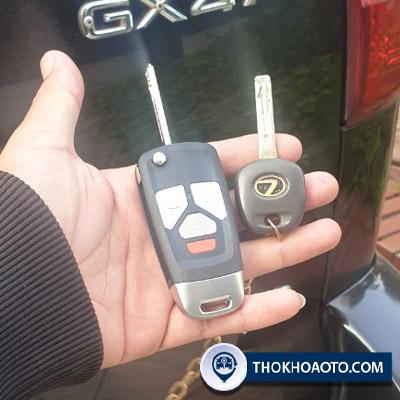 làm chìa khóa điện xe ô tô