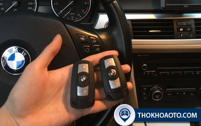 Làm chìa khóa BMW giá bao nhiêu?