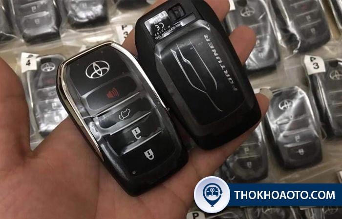 Chìa khóa thông minh Toyota Fortuner tại Thợ Khóa Ô Tô
