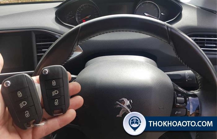 Chìa khóa xe Peugeot