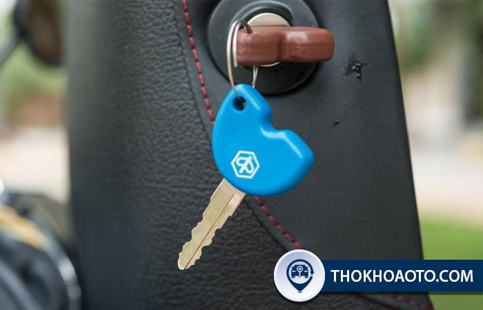 Chìa chính và chìa phụ xe Vespa
