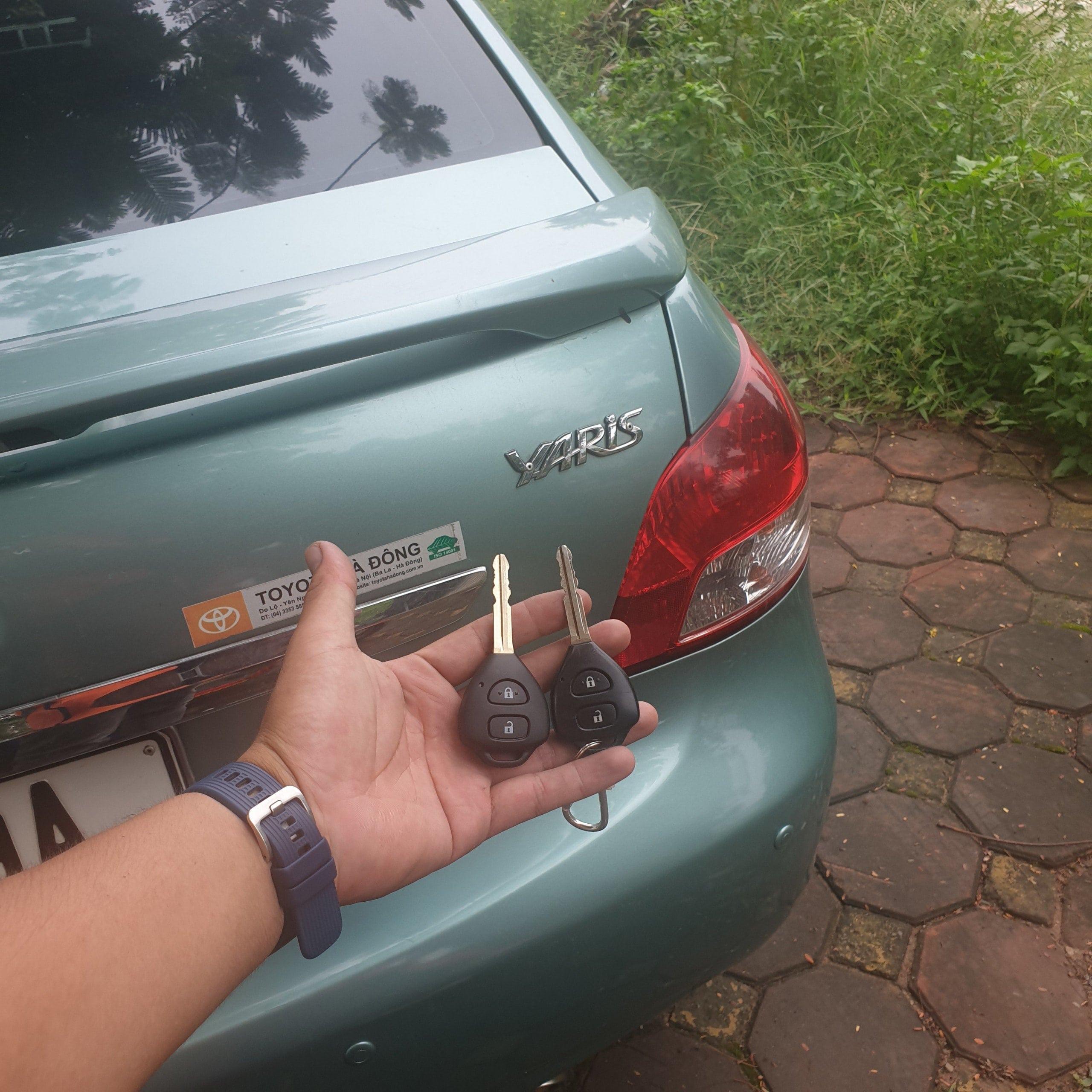 Làm chìa khóa ô tô kia morning