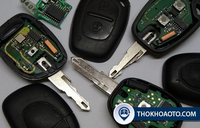Thợ khóa ô tô nhận sửa khóa ô tô toàn quốc